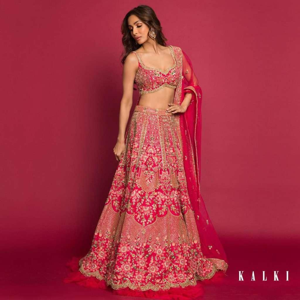 Azalea-collection-malaika-arora-in-kalki-fashion-lehenga (3)