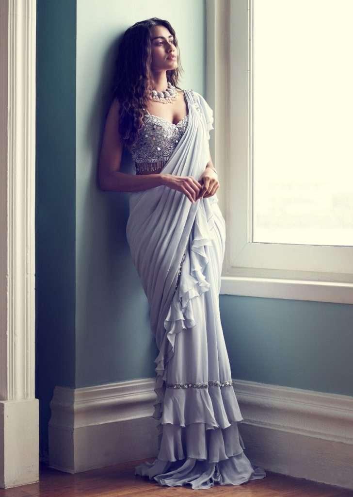 powder-blue-saree-in-chiffon-with-ready-pleated-ruffle-pallu-online-kalki-fashion-501570_2_-_copy