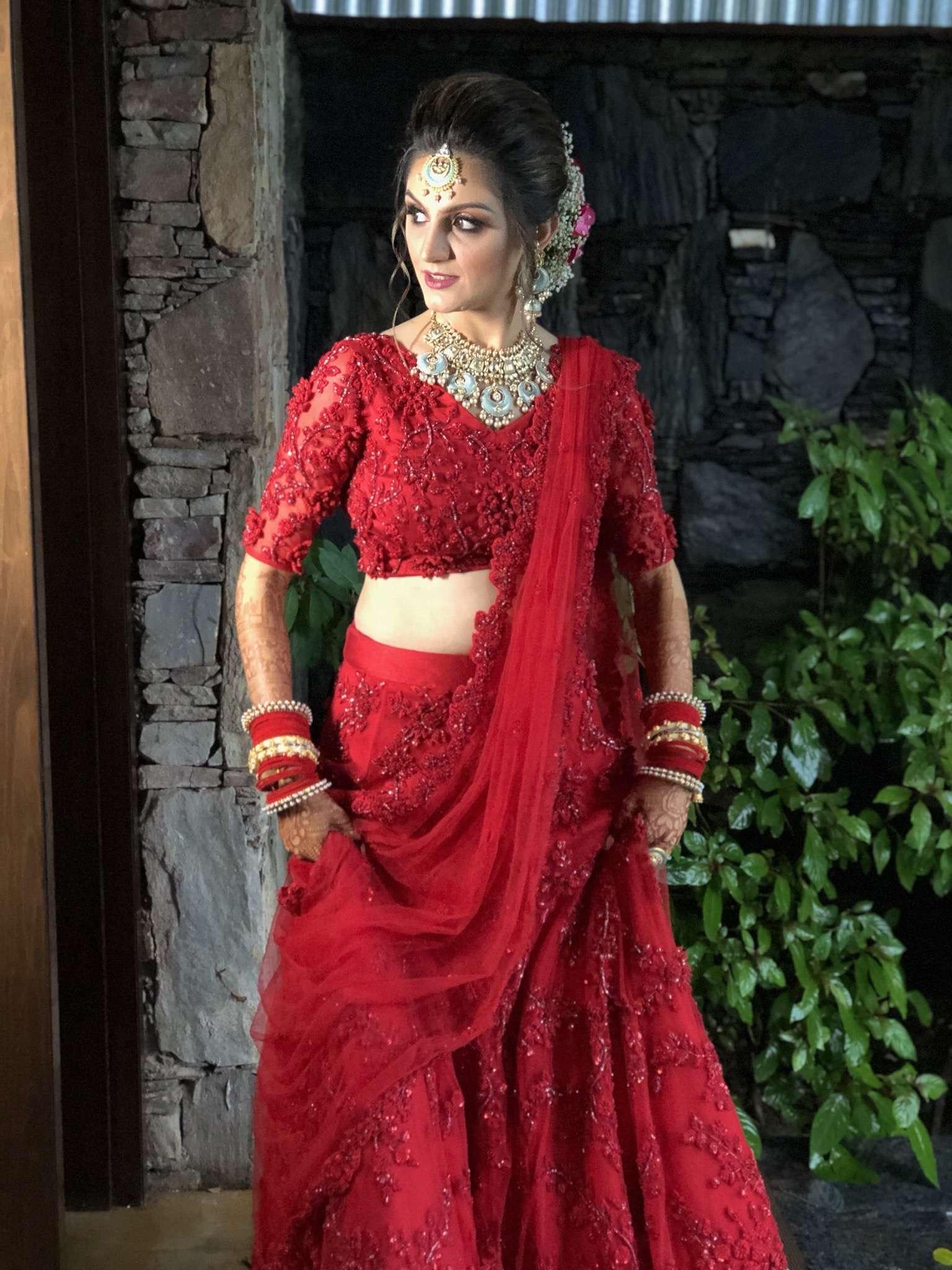 #RealBridesOfKalki: Presenting Pari, who looked like a real-life fairy in a monochrome red lehenga!